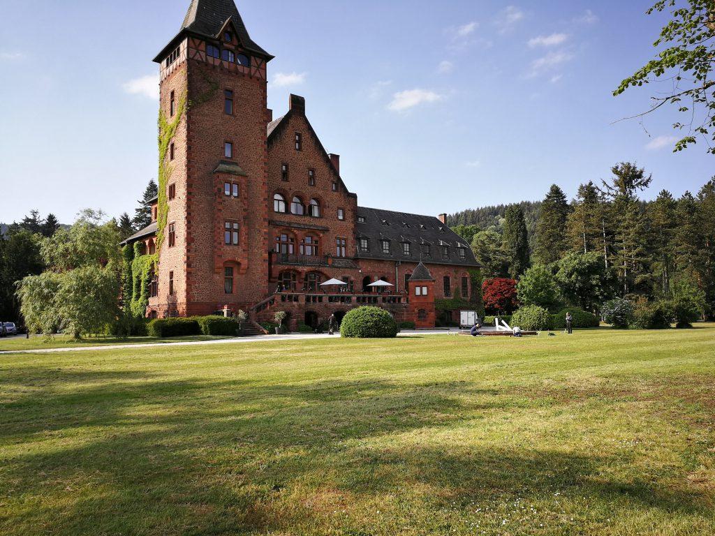 Hochzeit in Koblenz oder wie hier im Saarland im Schloss Saareck