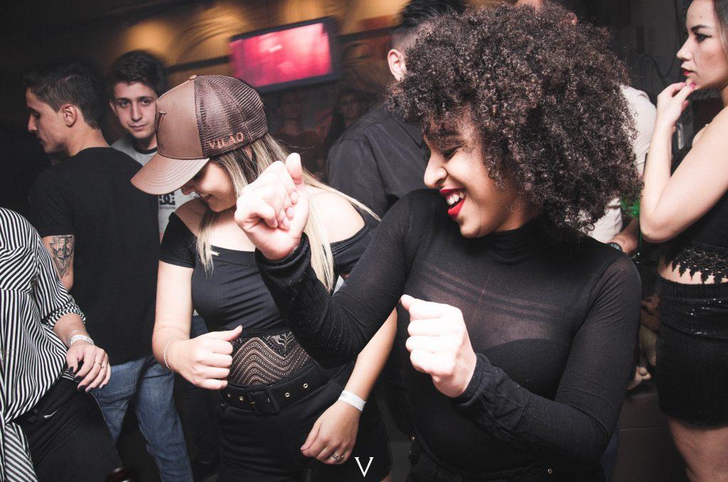 Tanzeilnage auf einem Firmen Event odr einer Fiirmenfeier